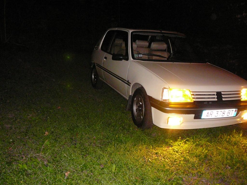 [Vendu] Peugeot 205 Indiana. - Page 4 P1060518