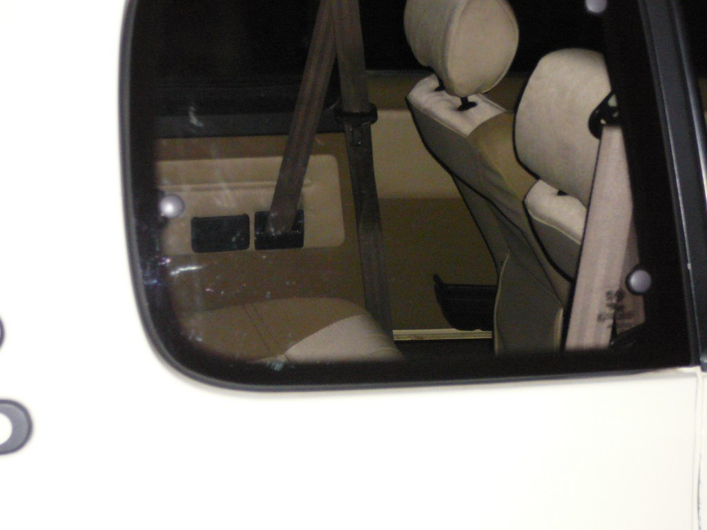 [Vendu] Peugeot 205 Indiana. - Page 4 P1060526