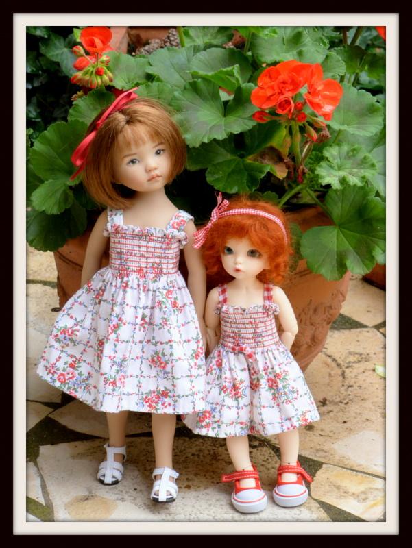 petites soeurs en robes jumelles P1070710