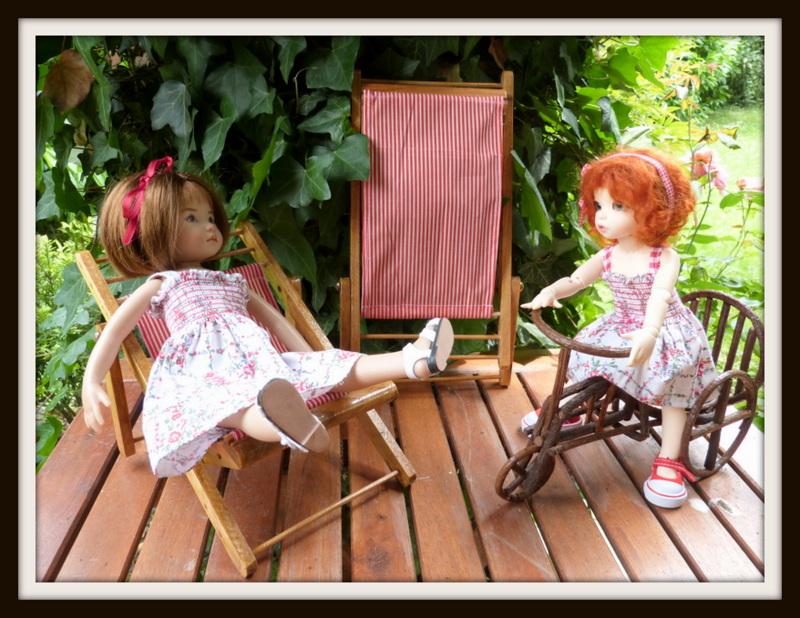 petites soeurs en robes jumelles P1070715