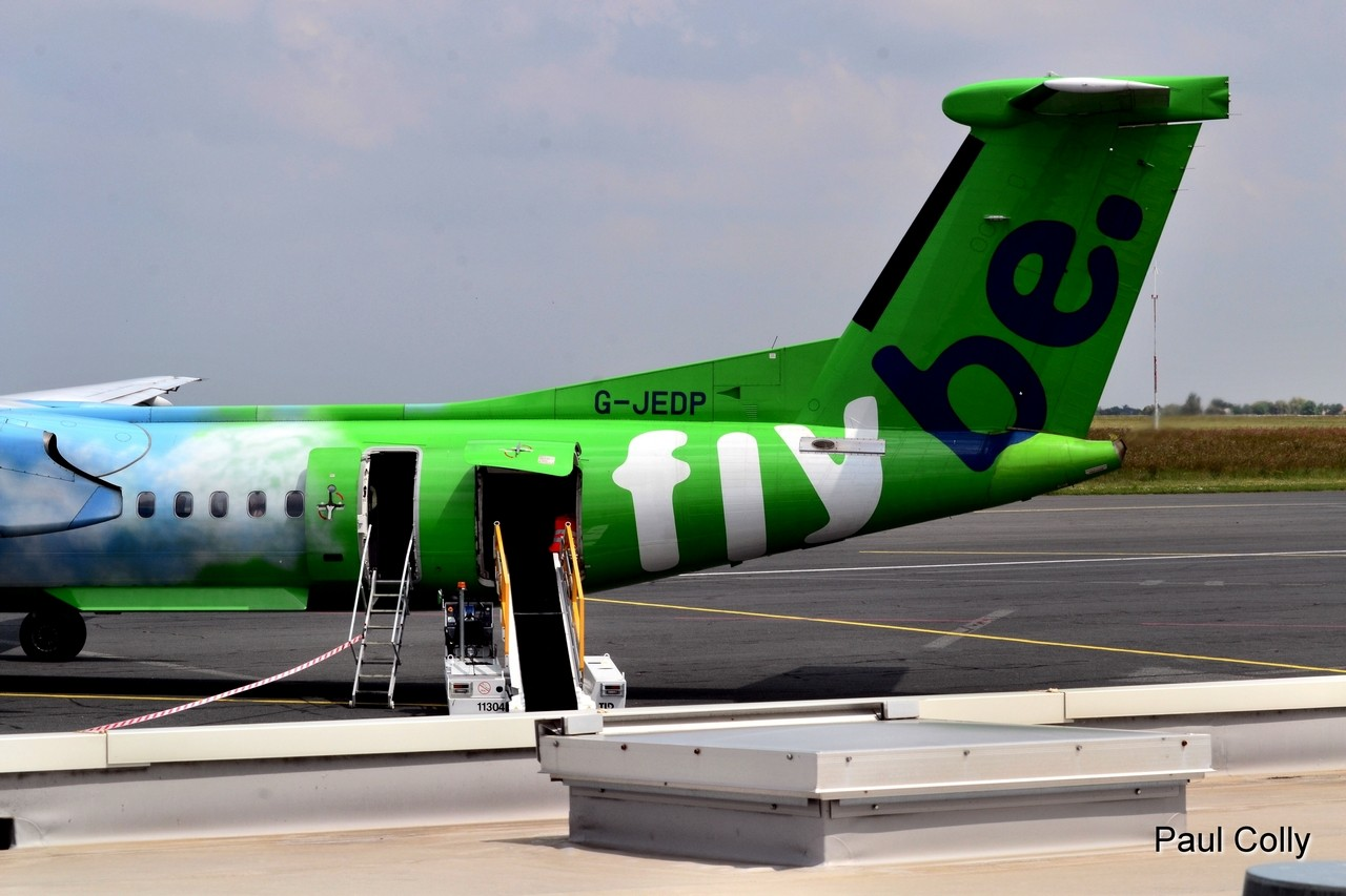 Boeing 737-300 Jet2 Holidays et Dash 8 Q-400 Flybe G-JEDP Maeva_17