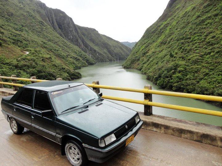 EL RENAULT 9 EN COLOMBIA 48060311