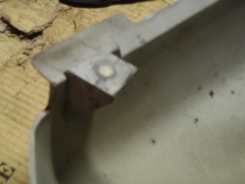 fixation des caches latéraux P6022112