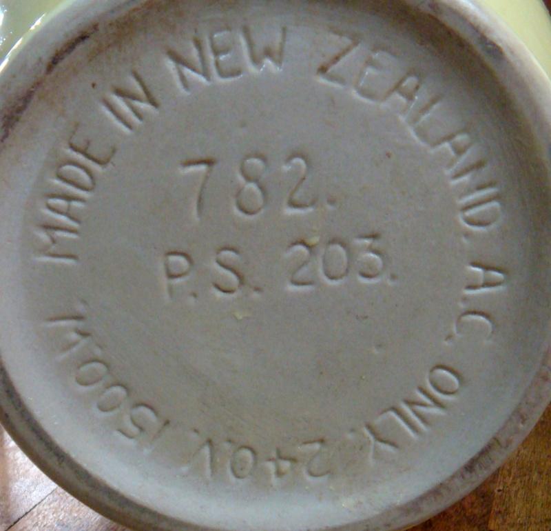 Crown Lynn / Russell Hobbs coffee perk? & Electric Jugs - Page 2 Dsc05719