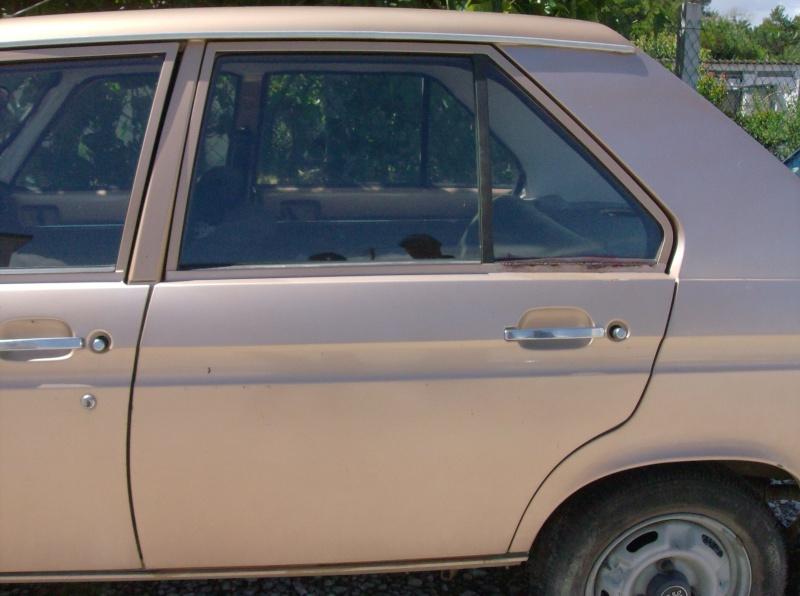 [ VENDIDO ] Puxadores das portas ( exteriores e interiores ) - Peugeot 104 Peugeo20