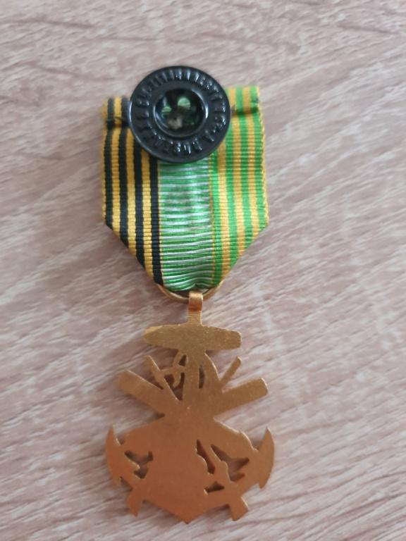 Médaille marine coloniale à identifier 20210439
