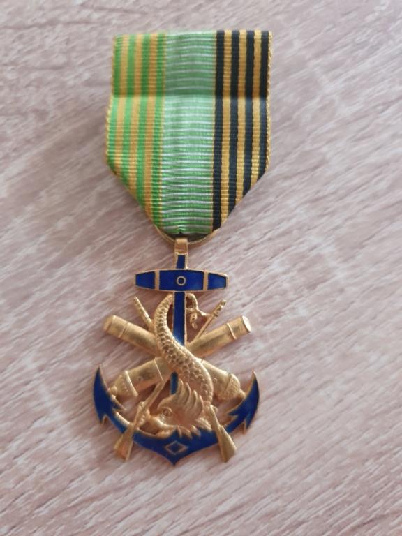 Médaille marine coloniale à identifier 20210440