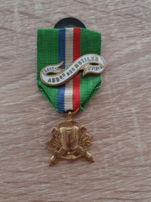 Médaille marine coloniale à identifier 20210441