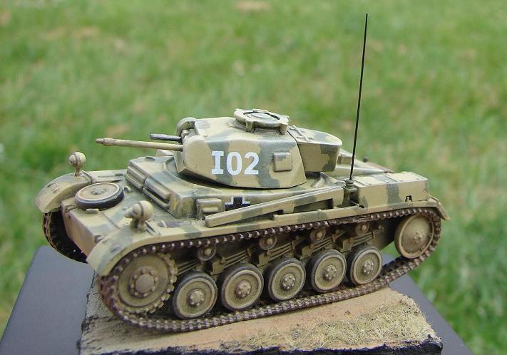 Panzer II Ausf F - Front de l'Est 1943. [Revell/Matchbox - 1/76] Dsc09131