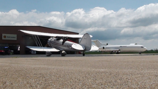 "On the Ramp Right Now:  P-51D ""Swamp Fox"" Visits KCGI  - Page 5 Dsc00212"