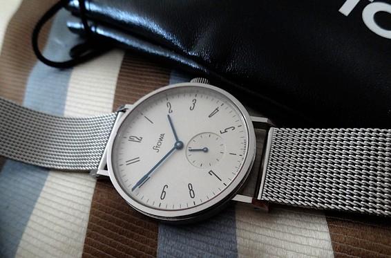 Vos photos de montres non-russes de moins de 1 000 euros Dsc03310