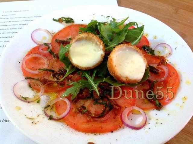 Carpaccio de tomates et bocconcinis frits Erre6i10