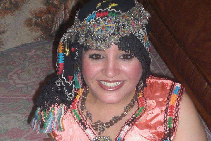 femmes kabyles! - Page 2 Kabyle10