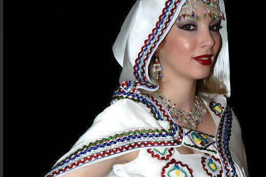 femmes kabyles! - Page 2 Kabyle12