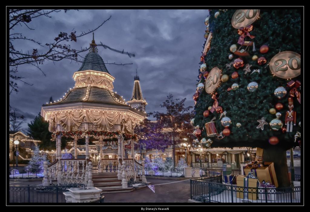 Vos photos nocturnes de Disneyland Paris - Page 2 Dsc06111