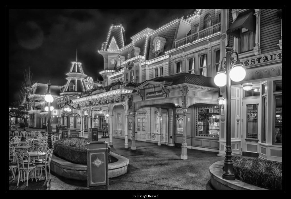 Vos photos nocturnes de Disneyland Paris - Page 2 Dsc06415