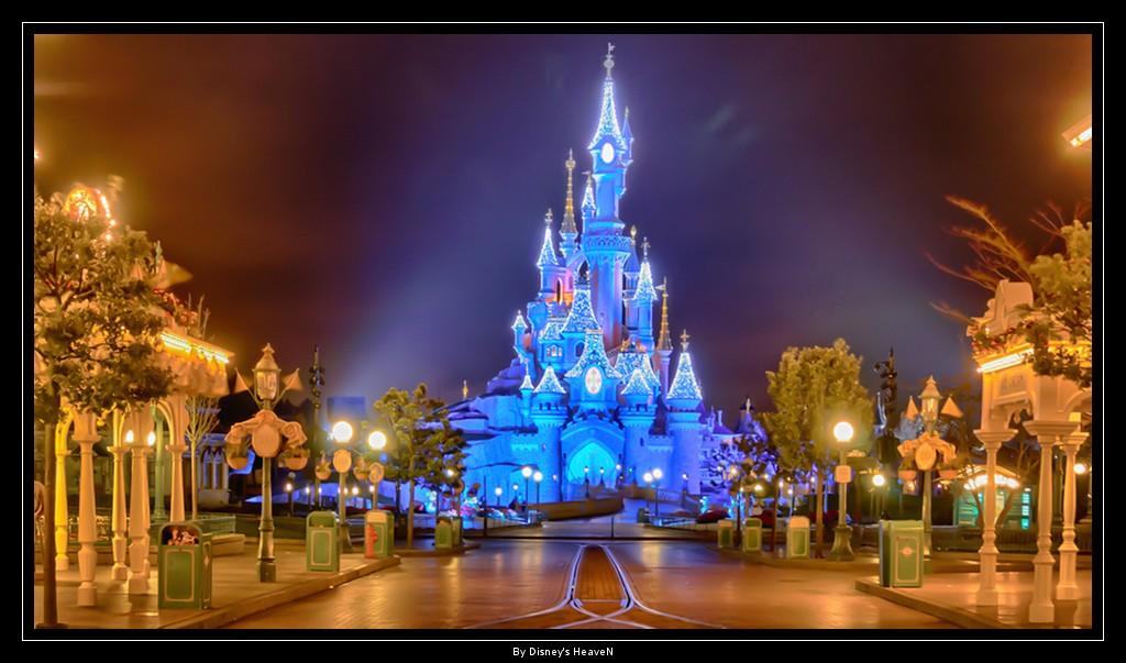Vos photos nocturnes de Disneyland Paris - Page 2 Dsc06418