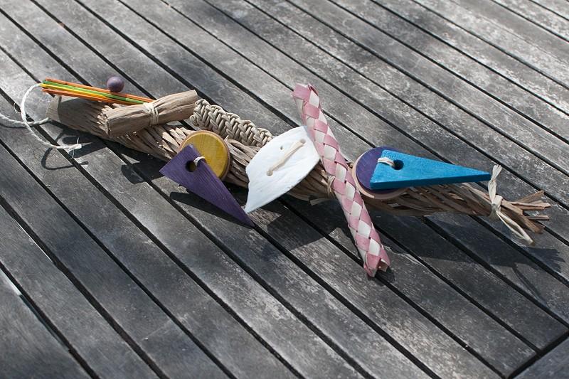 Jouets pour perruches et perroquet ROSIE Dsc_9810