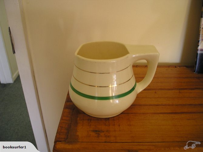 Rare Crown Lynn Jug, one of a kind? - Is a 714 old shaving mug .. 27284010