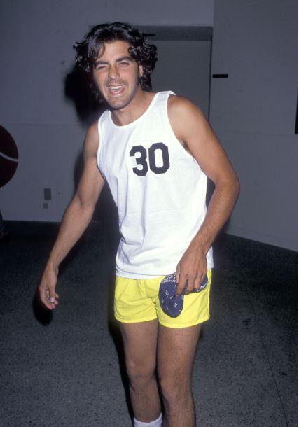 George Clooney George Clooney George Clooney! - Page 3 Cloone18