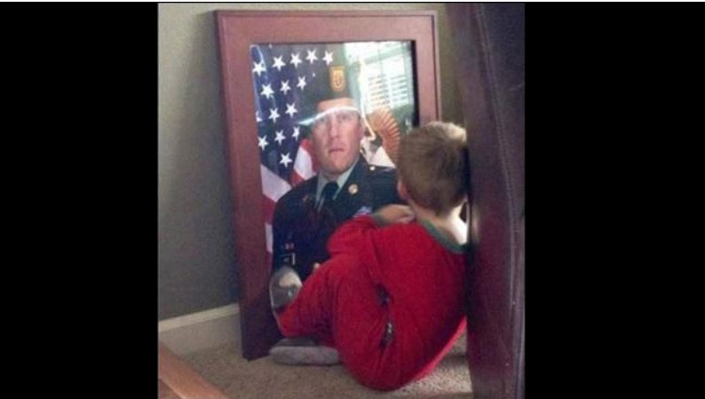 Grieving Boy spends time with his soldier Daddy Soldie10