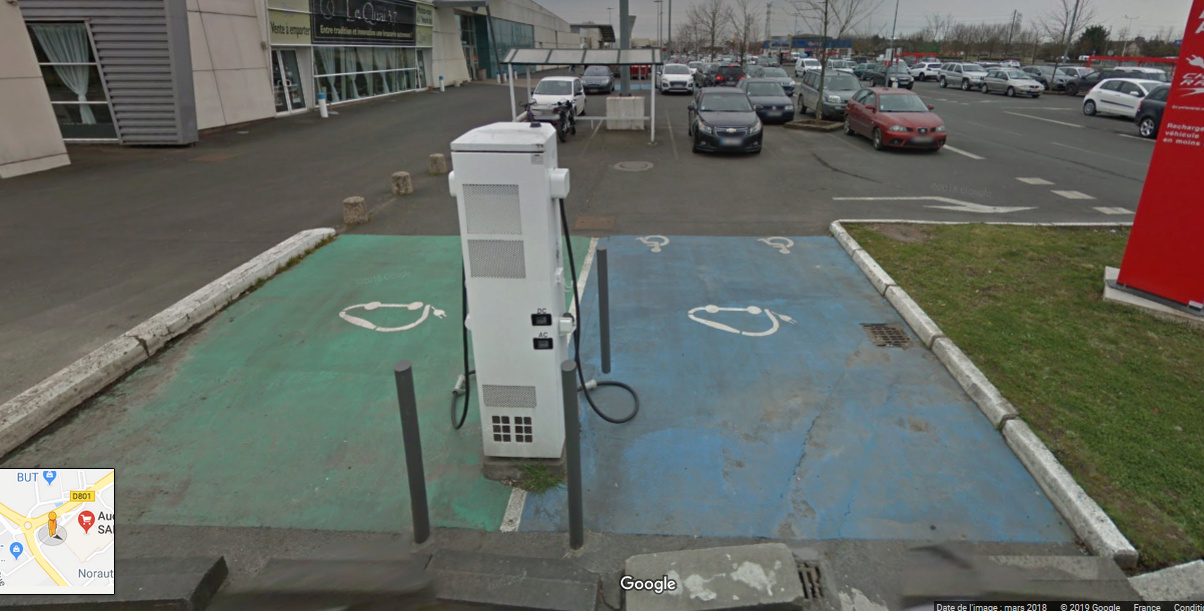 Un automobiliste sur une place de recharge I - Page 40 Screen12