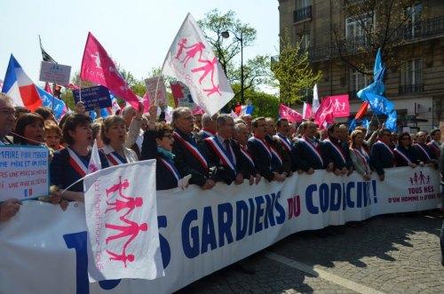 Mon reportage PHOTO de la MPT du 21 avril : 270 000 personnes ni frigides, ni barjots ! 010