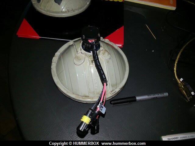 Comment modifier les phares du Hummer pour du HID ? 97507410