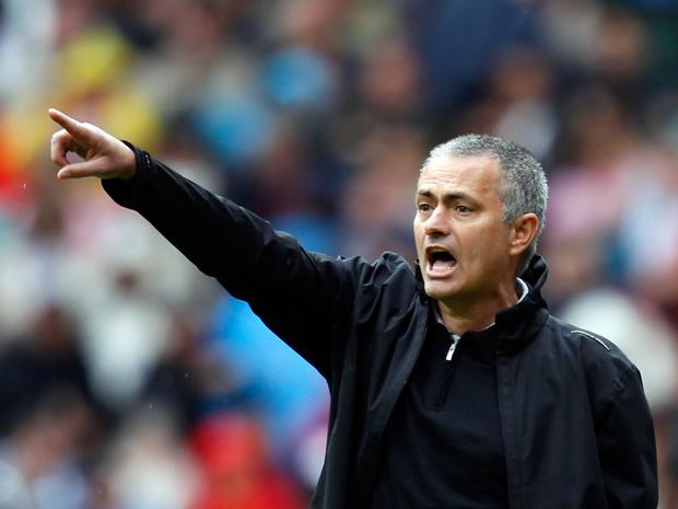 Mourinho có thù với bóng đá Việt Nam? 70031610