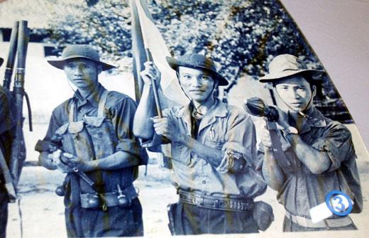 Người chiến sĩ phất cờ chiến thắng tại Dinh Độc Lập Bai20310