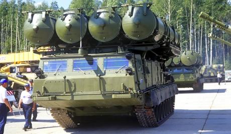 Vì sao Mỹ và Israel sợ tên lửa S-300 của Nga? S_30010