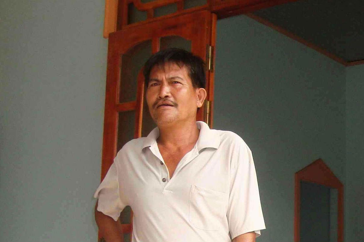 Truy tìm Phạm Quang Vũ sứt Sut210