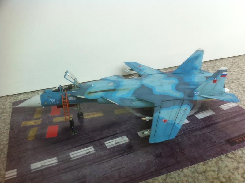 "Sukhoi SU-47 K (""navalisé"") HOBBY BOSS 1/72 (What-if) Su-47_36"
