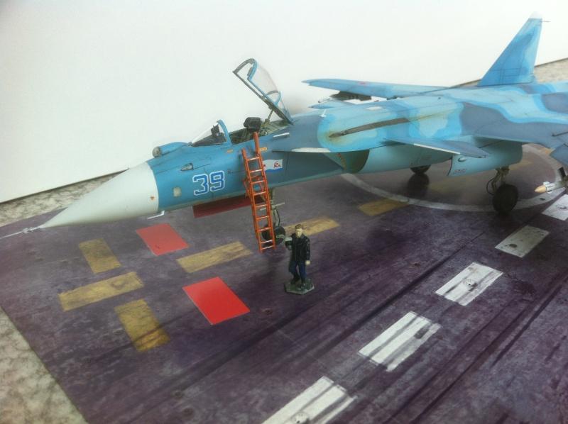 "Sukhoi SU-47 K (""navalisé"") HOBBY BOSS 1/72 (What-if) Su-47_40"