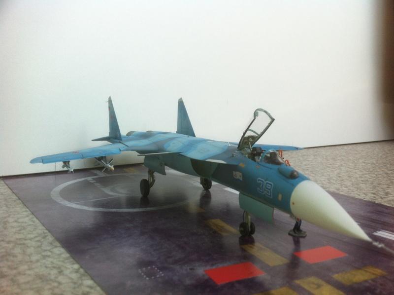 "Sukhoi SU-47 K (""navalisé"") HOBBY BOSS 1/72 (What-if) Su-47_41"