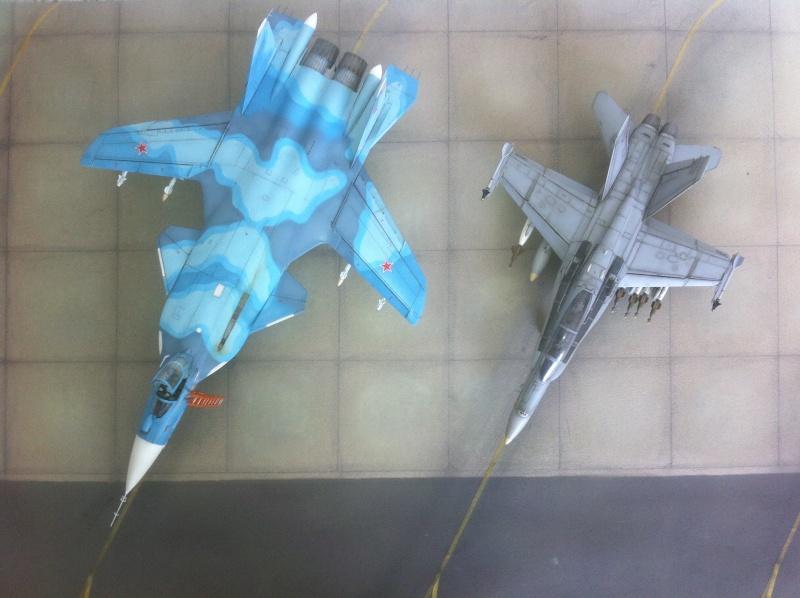 "Sukhoi SU-47 K (""navalisé"") HOBBY BOSS 1/72 (What-if) Su-47_42"