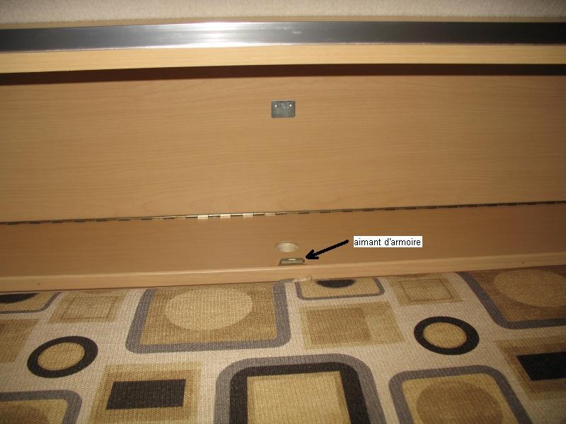 Installation d'une Prise de courant 110v dans le garde-robe et tête de lit Img_2512