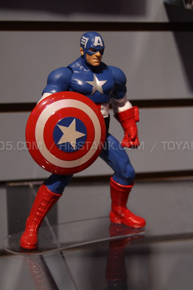 """The Avengers 3.75"""" 2013 Figures Avenge10"""