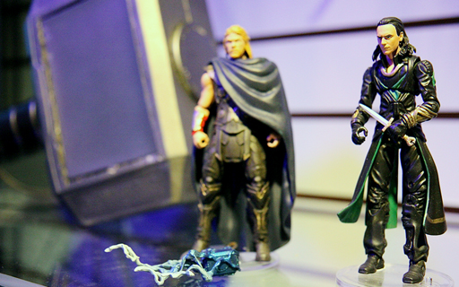 Thor 2: The Dark World Merchandise and Action Figures Thor_211