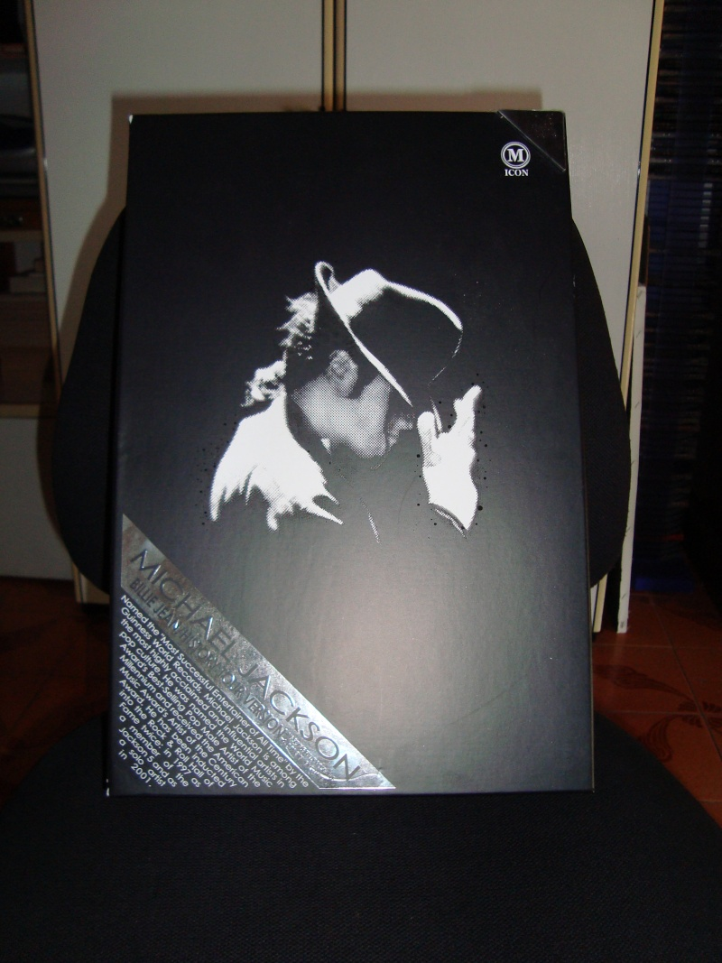 Vendo Bambola Hot Toys originale Versione Billie Jean ( ASTA ) Dsc00410