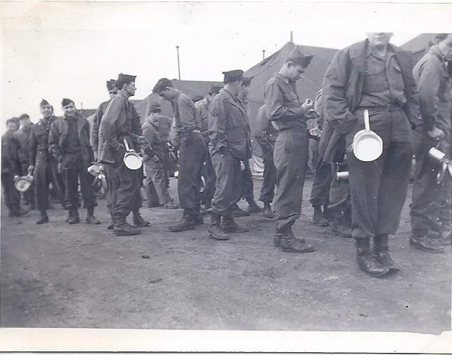 Camp US et de prisonniers (CCPWE 404) de Calas (13) - Page 12 Unknow10