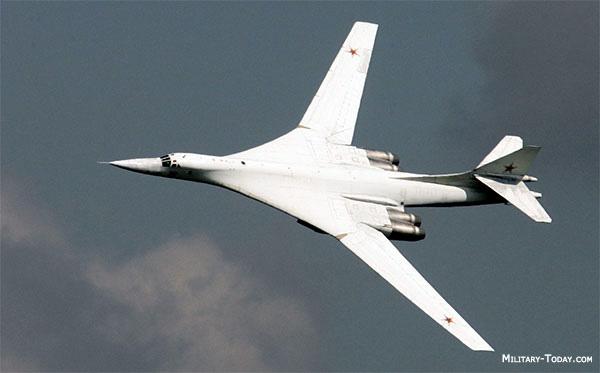L'air du Temps Bombing Mission  - Page 4 Tupole10