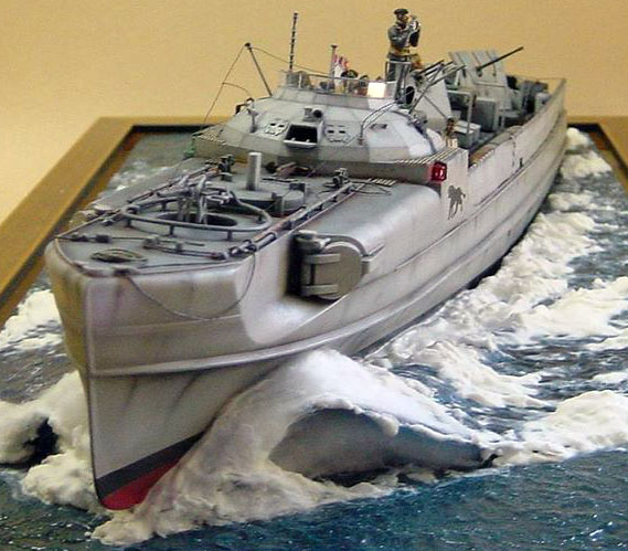 schnellboot S-100.maquette plastique REVELL au 1/72+ equipage. S100cw10