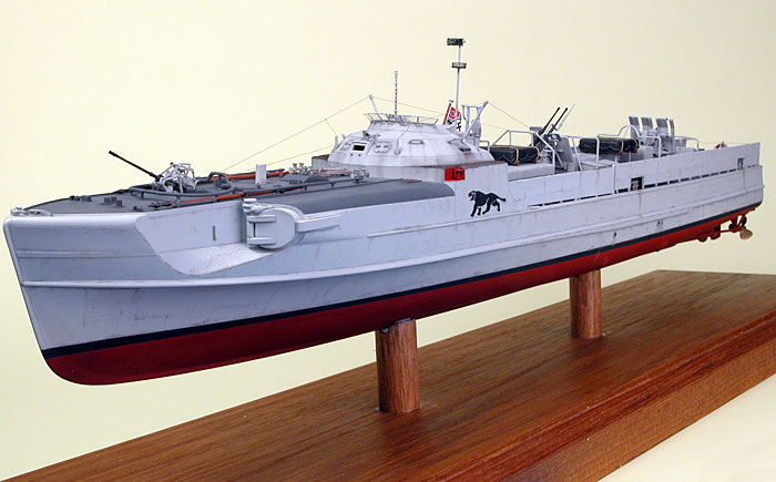 schnellboot S-100.maquette plastique REVELL au 1/72+ equipage. Sboot110