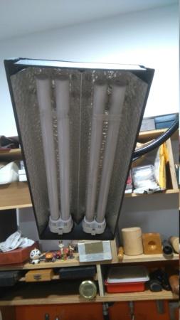 Besoin d'aide pour réparer ma vieille lampe d'établi Dsc_0614