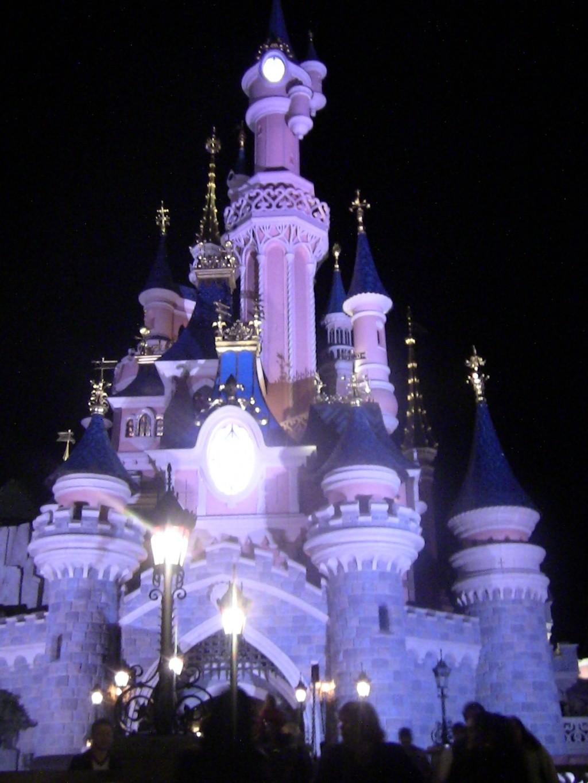 Vos photos nocturnes de Disneyland Paris - Page 2 Disney11