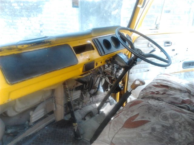 Missionare - 1969 Early/Low Light RHD T2a Bay Window Walkthrough Microbus 2012-012