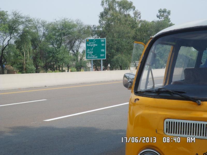 Missionare - 1969 Early/Low Light RHD T2a Bay Window Walkthrough Microbus Sam_4121