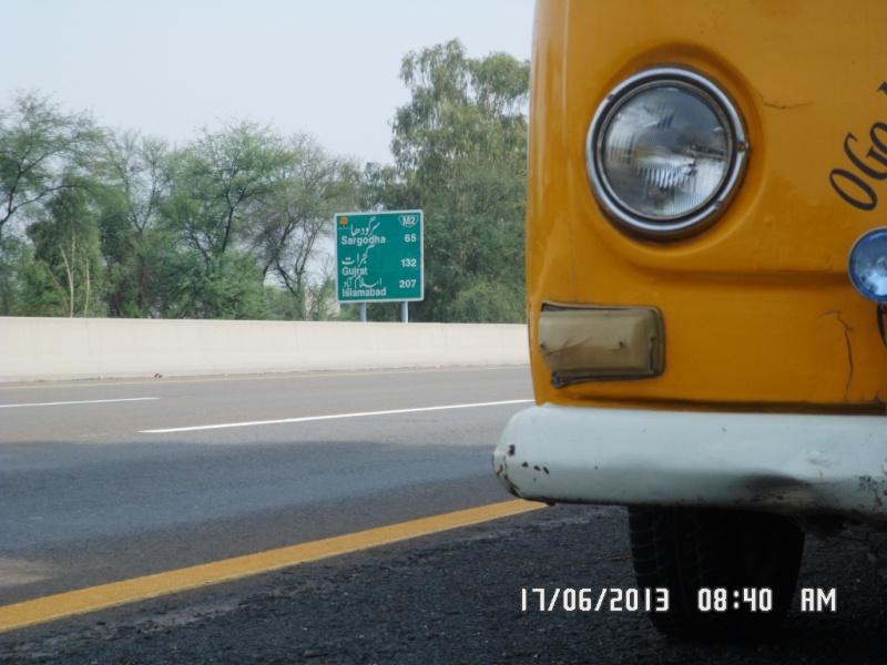 Missionare - 1969 Early/Low Light RHD T2a Bay Window Walkthrough Microbus Sam_4123