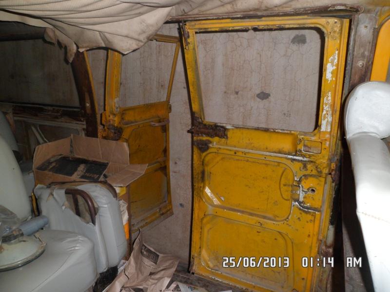 Missionare - 1969 Early/Low Light RHD T2a Bay Window Walkthrough Microbus Sam_4216